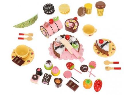 Drewniana skrzynka ze słodyczami - zestaw